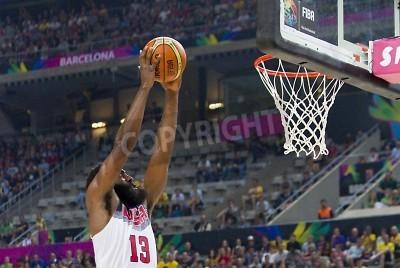 Плакат Джеймс Харден США в действии на ФИБА чемпионата мира баскетбольного матча между сборная США и Литвы, окончательный балл 96-68, 11 сентября 2014 года, в Барселоне, Испания