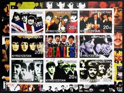 Плакат KIRZIGUISTAN - около 2001 Коллекция марок, напечатанные в Kirziguistan показывает Beatles, около 2001