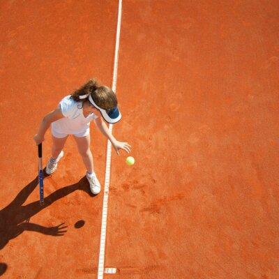 Плакат Маленький теннисист готовится служить