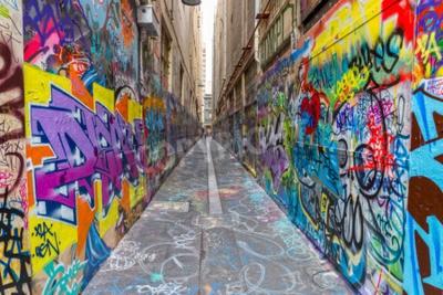 Плакат Мельбурн, Австралия - 16 марта 2015: Красочный граффити в узком переулке в центре города.