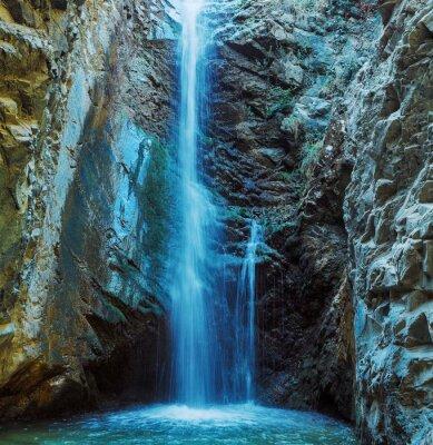 Плакат Millomeris Водопад в Rock Cave, горы Троодос
