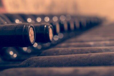 Плакат Старые винные бутылки укладываются старения