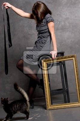 Девушка скачет на стуле, любительские фотографии голых женщин на природе и дома