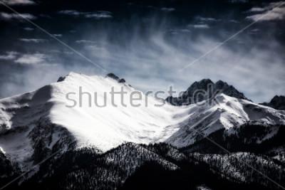 Плакат Заснеженные вершины Татр. Отфильтрованный стиль.