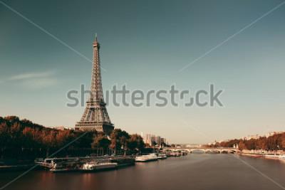 Плакат Река Сена Парижа с Эйфелева башней во Франции.
