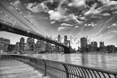 Плакат Бруклинский мост в Нью-Йорке.