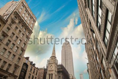 Плакат Stunning skyline of New York City at summer sunset. Manhattan skyscrapers.