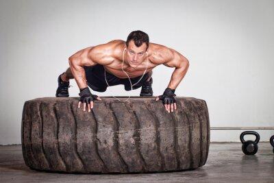 Плакат Нажмите на тренировке CrossFit шин