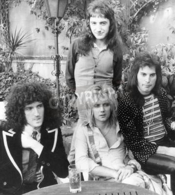 Плакат КОРОЛЕВА - Великобритания группа в 1976 году с л Брайан Мэй, Роджер Тейлор, Джон Дикон и Фредди Меркьюри