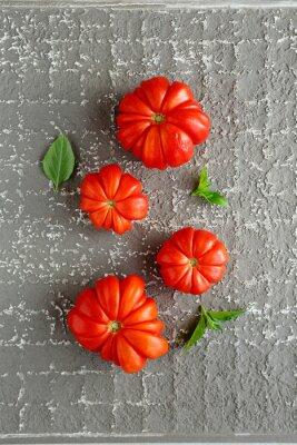Плакат красные помидоры на сером фоне