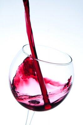 Плакат Красное вино льется в бокал
