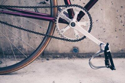 Плакат Дорожный велосипед и бетонная стена, городские сцены в винтажном стиле