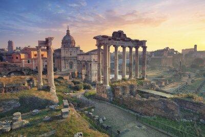 Плакат Римский форум. Изображение римского форума в Риме, Италия во время восхода солнца.