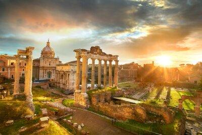Плакат Римский форум. Руины римского форума в Риме, Италия во время восхода солнца.
