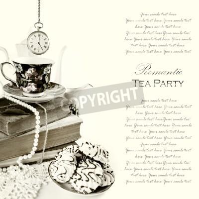 Плакат Романтический англичанка 5:00 чаепитие фон с классическим карманные часы и сладости