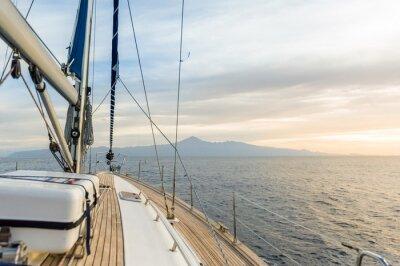 Плакат Парусная лодка под власти в спокойном море