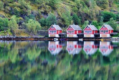 Плакат Живописный вид на озеро и рыболовных хижин в Фламе, Норвегии