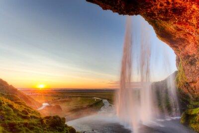 Плакат Seljalandsfoss Водопад на закате, Исландия