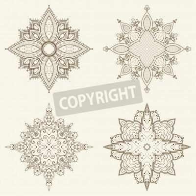 Плакат Набор из четырех мандалы Красивая рисованной цветы Этническая кружева вокруг орнамент может быть использована для дизайна ткани, декоративной бумаги, веб-дизайн, вышивка, тату и т.д.