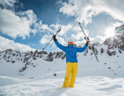 Плакат Лыжник в высоких горах