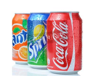 Плакат София, Болгария - 27 апреля 2013: Coca-Cola, Fanta и Sprite Банки Изолированные на белом. Три напитки, произведенные компанией Coca-Cola