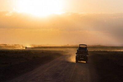 Плакат Закат в африканской саванне, силуэты сафари автомобиля и животных, Африка, Кения, национальный парк Амбосели