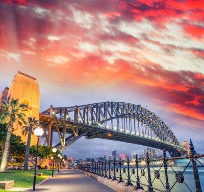Плакат Sydney Harbour Bridge с красивый закат, Новый Южный Уэльс - Австралия