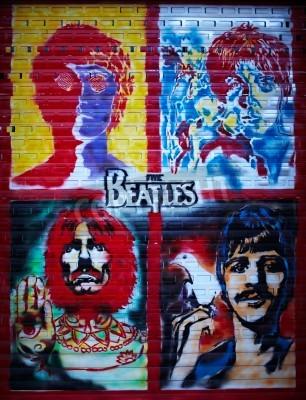 Плакат Битлз граффити стены в Москве, на улице Строителей