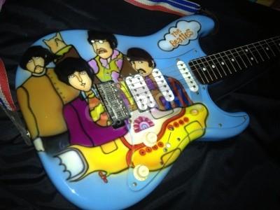 Плакат Подводные тема Битлз Желтая аэрографом на Stratocaster гитары