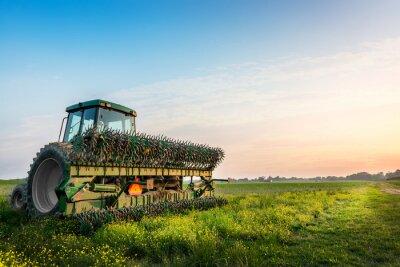 Плакат Трактор в поле на ферме сельского Мэриленда