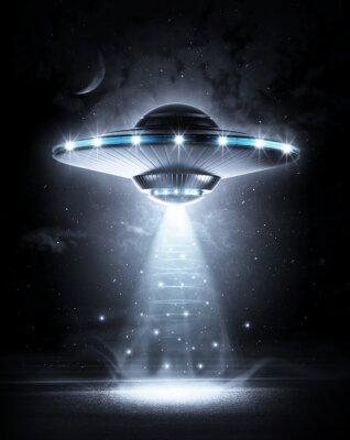 Плакат НЛО в темную ночь