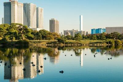 Плакат Вид на токийский городской пейзаж с видом на парк