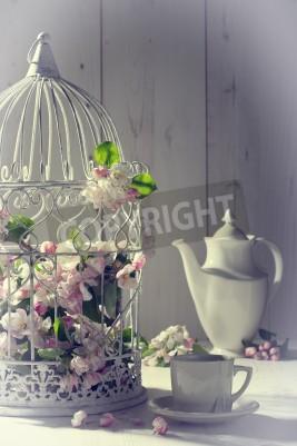 Плакат Урожай послеобеденный чай с птичьей клетки заполнены с пружинным цвести