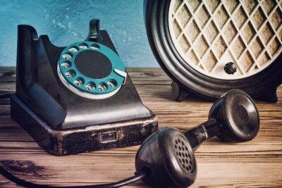 Плакат Урожай телефон и радио на деревянный стол