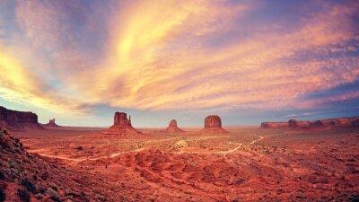 Плакат Урожай тонированное Долина монументов после захода солнца, США