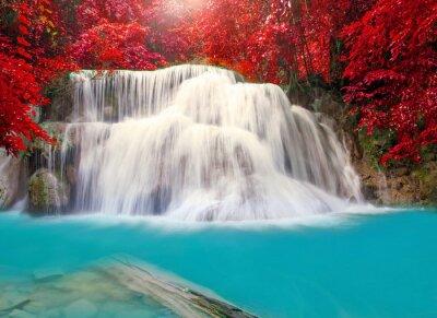 Плакат Водопад в глубоких джунглях тропических лесов (Хуай Мэй Камин Водопад я