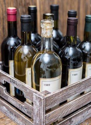Плакат Винные бутылки в деревянной обрешетке.