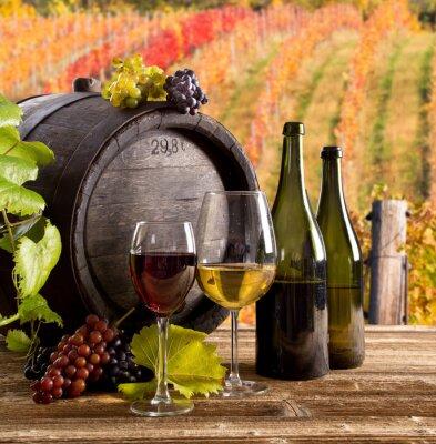 Плакат Вино натюрморт, стекло, молодой лозы и грозди винограда