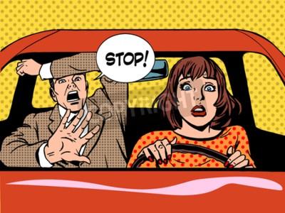 Плакат женщина вождения водитель школьного паники спокойной ретро-стиле поп-арт. Автомобиль и транспорт