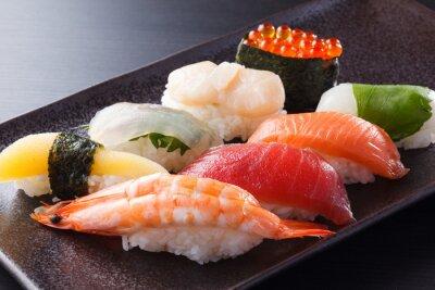Плакат に ぎ り 寿司 の 盛 合 せ