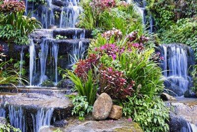 Наклейка Искусственный водопад и статуя в саду
