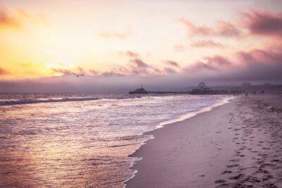 Наклейка Красивый пляж на закат