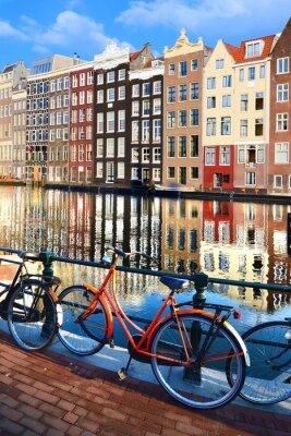 Наклейка Велосипеды вдоль каналов с отражениями, Амстердам, Нидерланды
