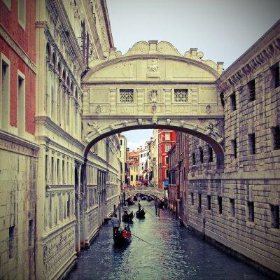 Наклейка Мост вздохов в Венеции с гондолами