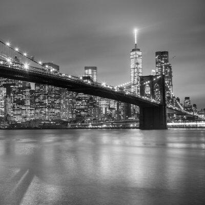 Наклейка Бруклинский мост в сумерках, Нью-Йорк.
