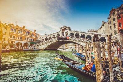 Наклейка Canal Grande с мостом Риальто на закате, Венеция, Италия