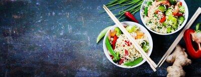 Наклейка Китайская лапша с овощами и креветками