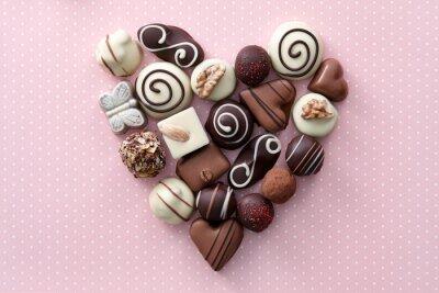 Наклейка Шоколадные конфеты сердца