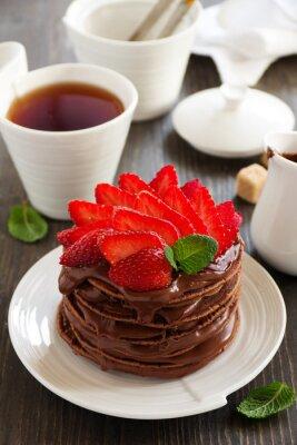 Наклейка Шоколадные блины с шоколадным кремом и клубникой.