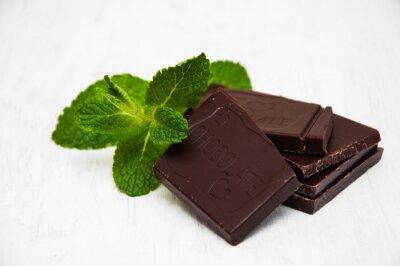 Наклейка Шоколадные фигуры с листа мяты